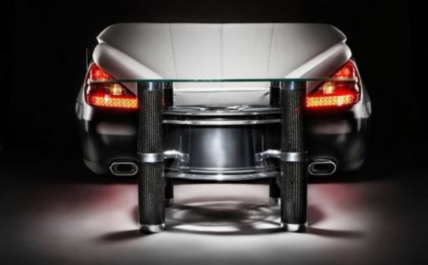 The-Amazing-Sofa-and-Table-for-Automotive-Lovers-800x496.jpg