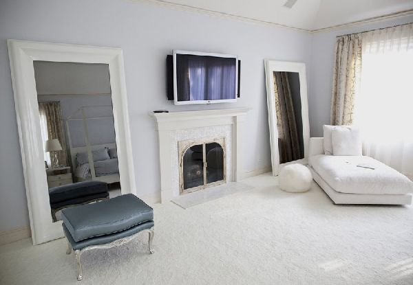 white-bedroom-interior-design-and-furniture-ideas-with-white-rugs-fireplace-and-LCD-TV.jpg