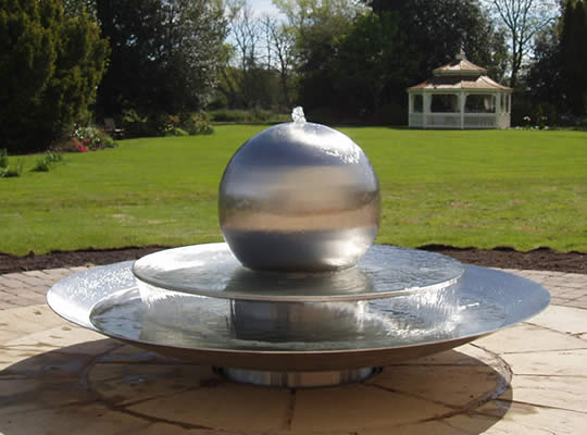 stainless-steel-sphere-fountains-07.jpg