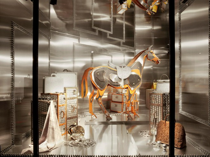 hermes-windows-by-leila-menchari-2.jpg