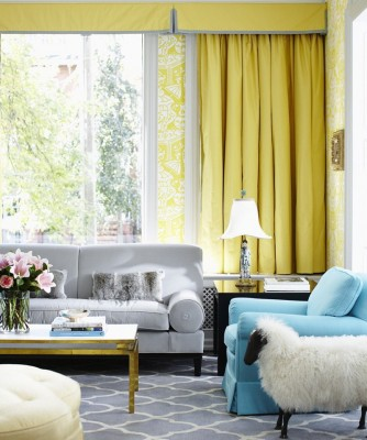 yellow-blue-chic-modern-living-room-design-damask-wallpaper-graphic-rug-1.jpg