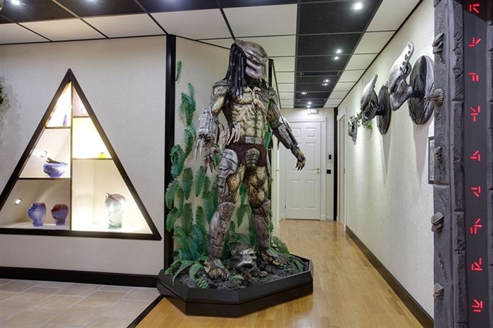predator-hall.jpg