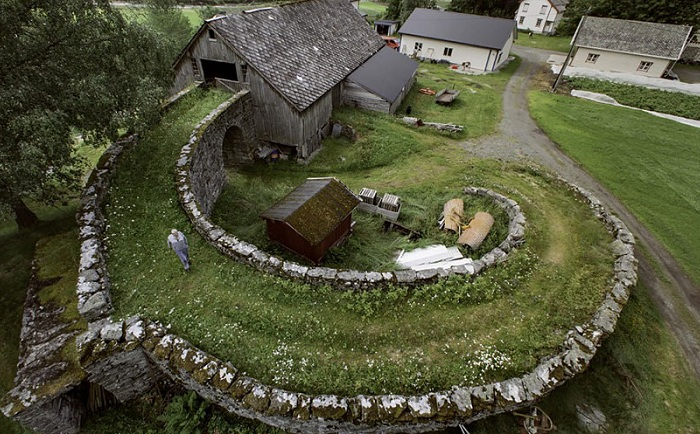 fairy-tale-viking-architecture-norway-3_.jpg