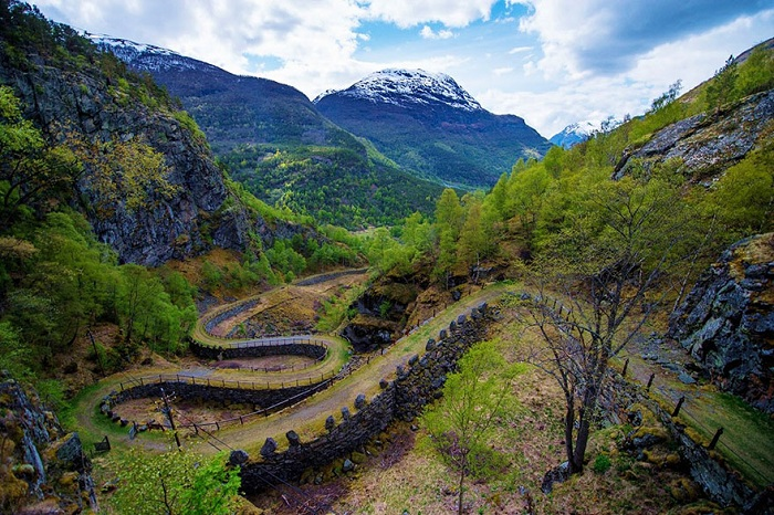 fairy-tale-viking-architecture-norway-7_.jpg