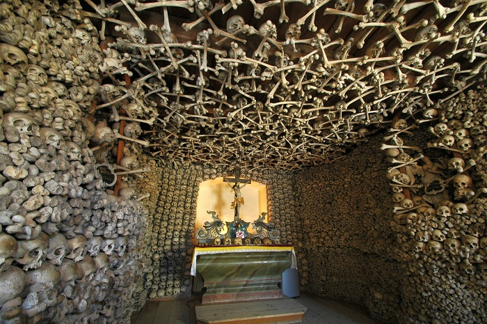 Poland_-_Czermna_-_Chapel_of_Skulls_-_in.jpg