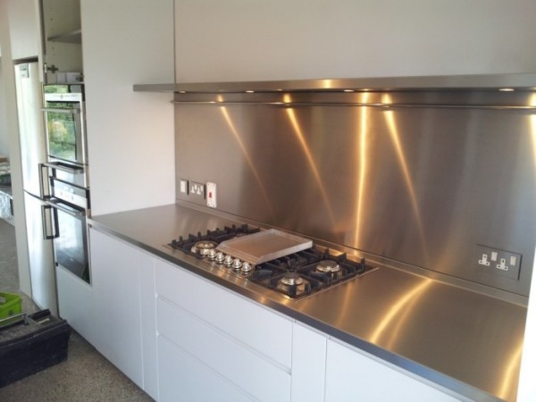 Stainless-Steel-Kitchen-Splashbacks-2-1-.jpg